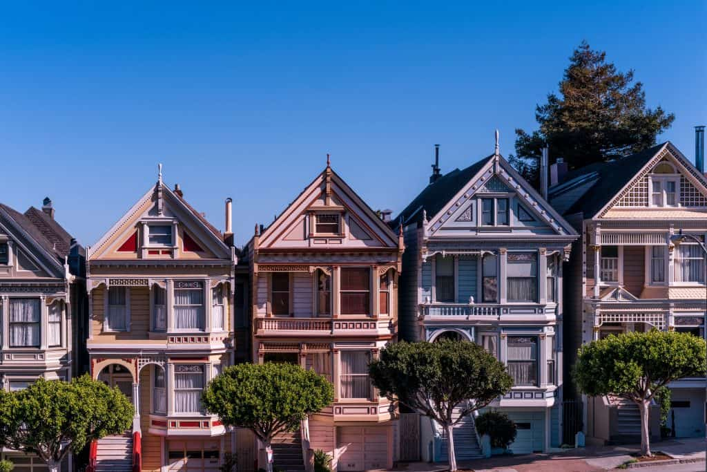 Liste von 3 Investoren für Wohnportfolios