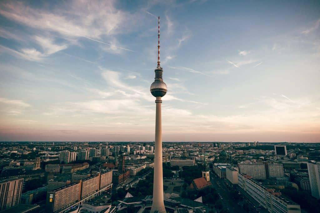 Liste von 3 Hotelinvestoren in Berlin