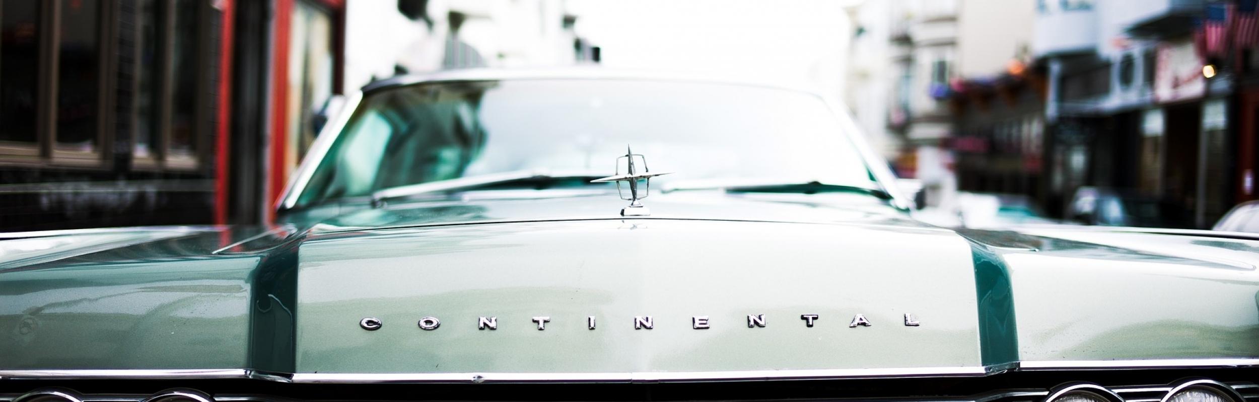 car-1209261_1920
