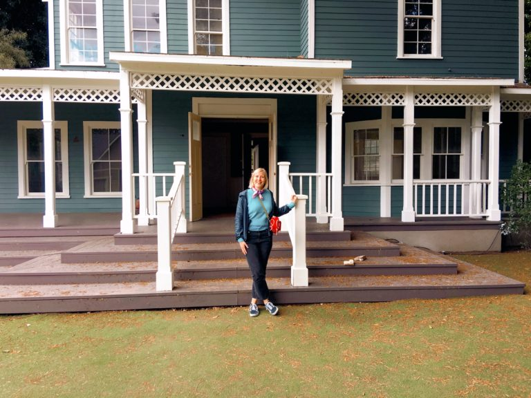 Three Things Friday Log Cabin Lady in Stars Hollow