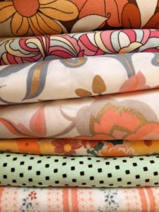 Log Cabin Lady - Three Things Friday - My Goals for the end of 2020 - My vintage fabric