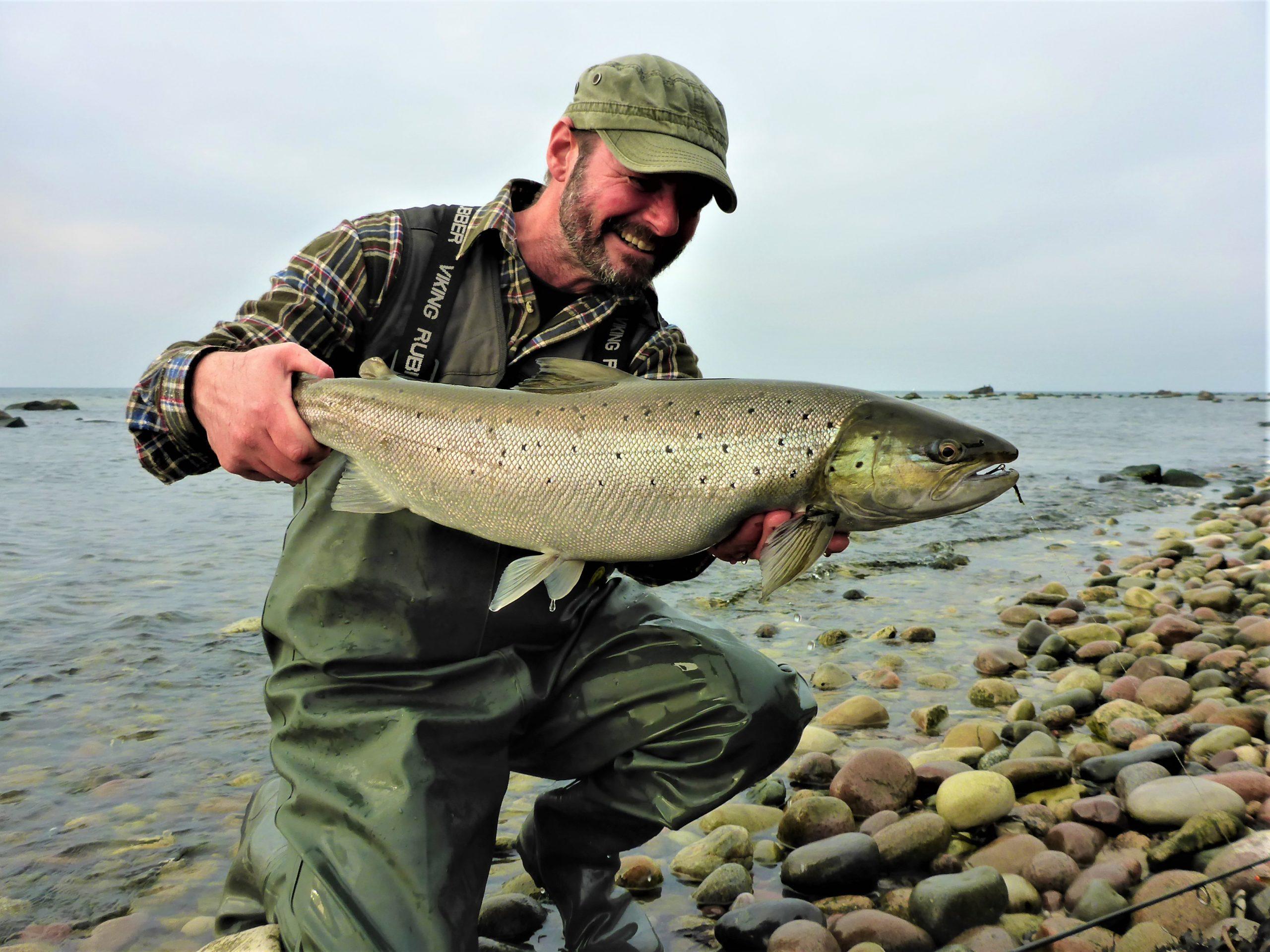 Kystfiskeri efter havørreder på Bornholm.
