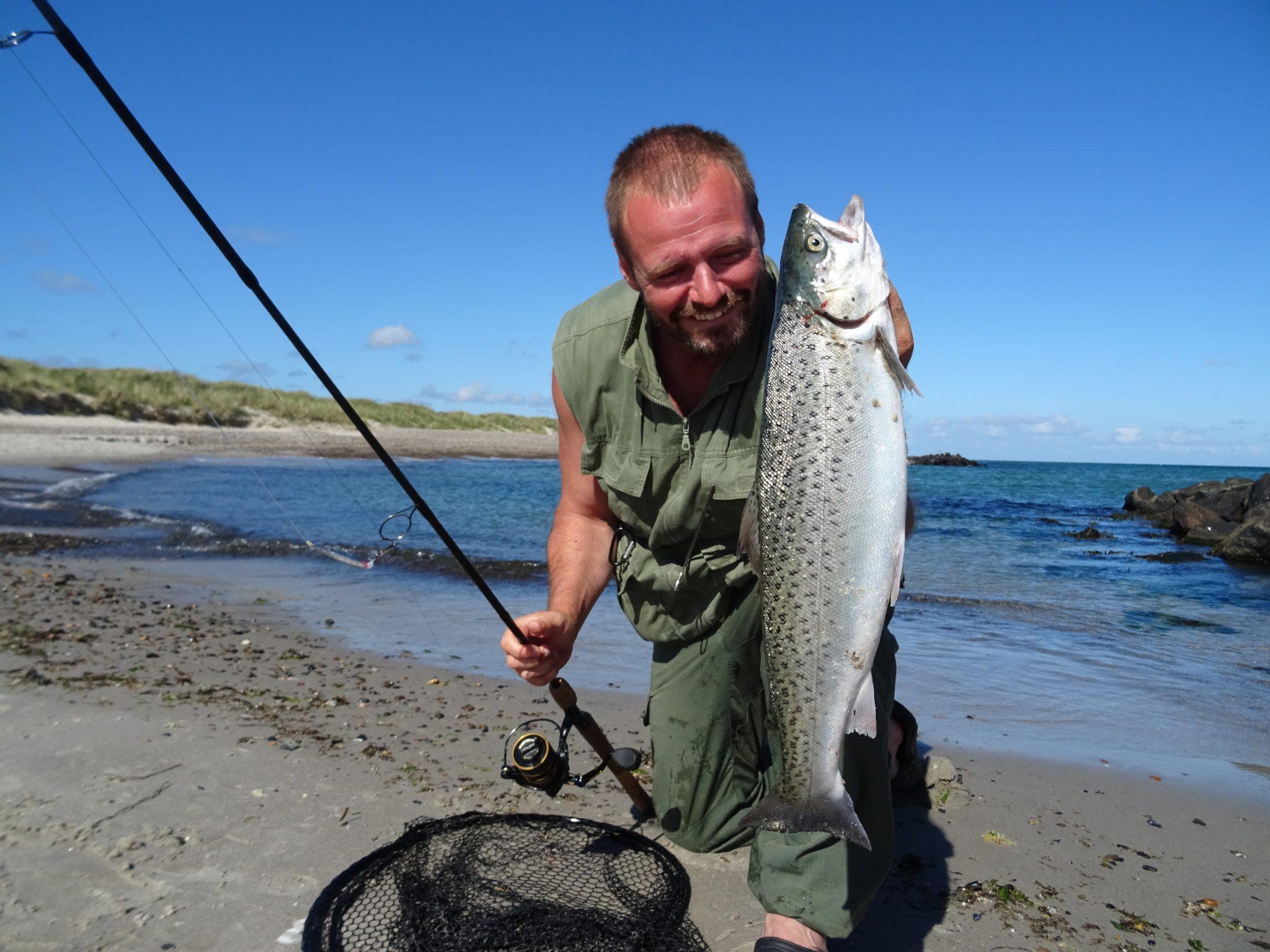 Man kan dyrke spændende Kystfiskeri efter havørreder i Skagen og omegn.