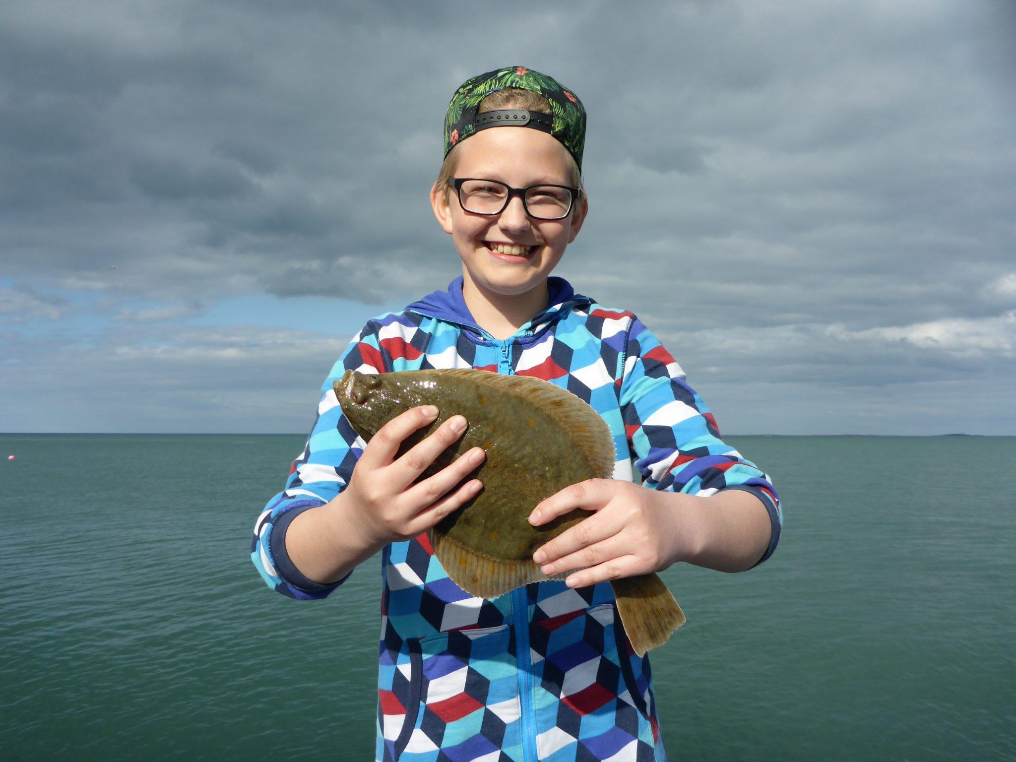 Lystfiskeri efter fladfisk i og omkring Skagen er hyggeligt og ofte også fangstgivende.