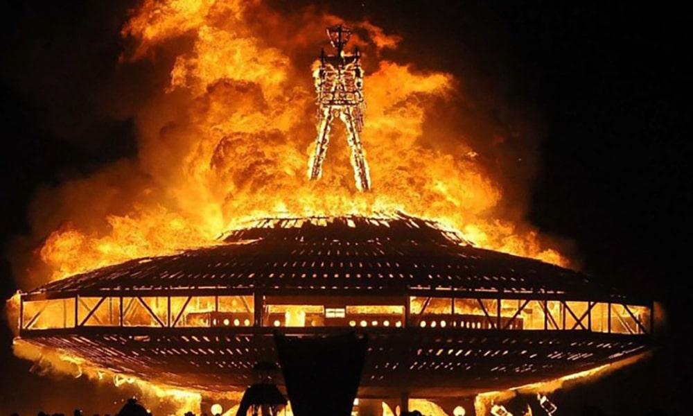 Magazine Chic - Burning Man 2016