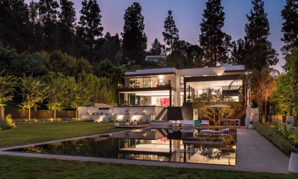 Magazine Chic - 231 Lago Vista Dr, Beverly Hills Designed by Charles Park