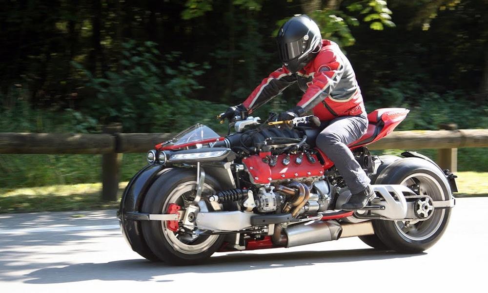 [MC] Magazine Chic - Moto volante by Lazareth