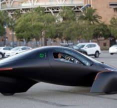 Aptera Motors présente un véhicule électrique solaire qui n'a jamais besoin d'être branché