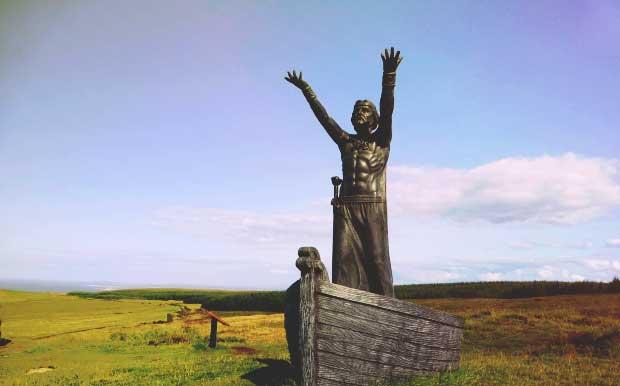 Manannán mac Lír statue picture