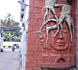 En gyde i Phnom Penh - Cambodja