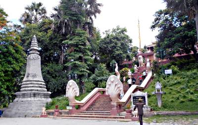 Trappen op til Wat Phnom