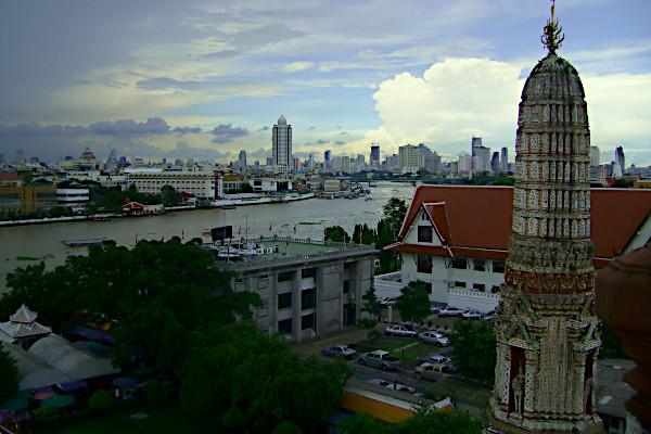 Chao Phraya set fra Wat Arun