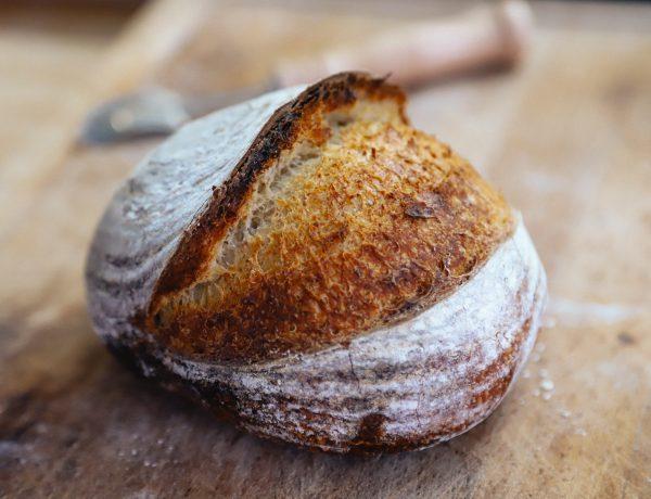 makkelijk recept voor zuurdesem brood, ideaal voor beginners