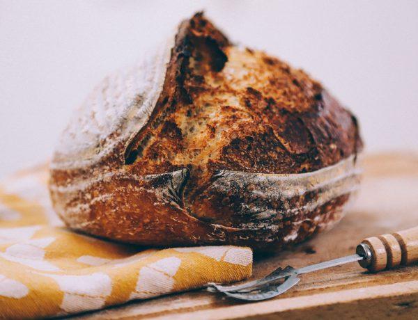 zelf zuurdesem brood bakken met dit recept