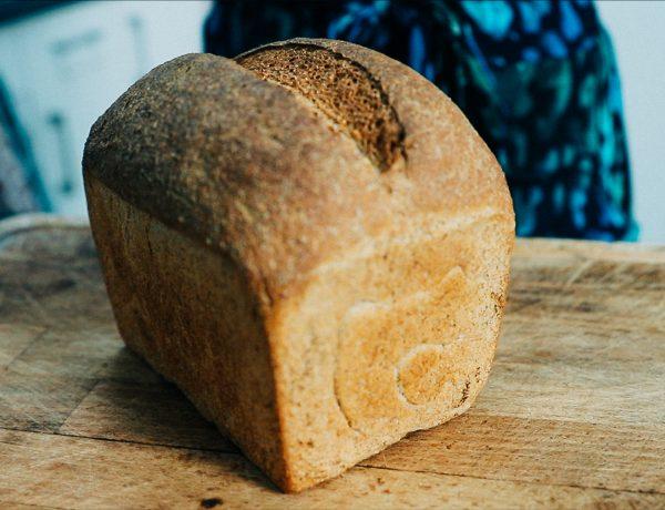 recept om zelf volkorenbrood te bakken