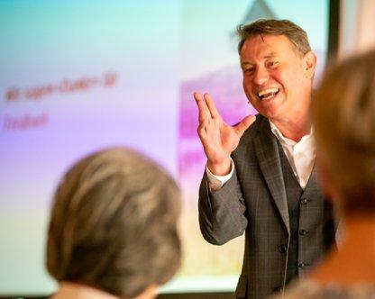 Manfred Ritschard top 100 Verkaufstrainer D-A-CH und Keynote Speaker für effizienten Vertrieb