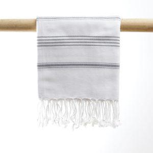 Hammam Nurlina hvid og grå manipura living