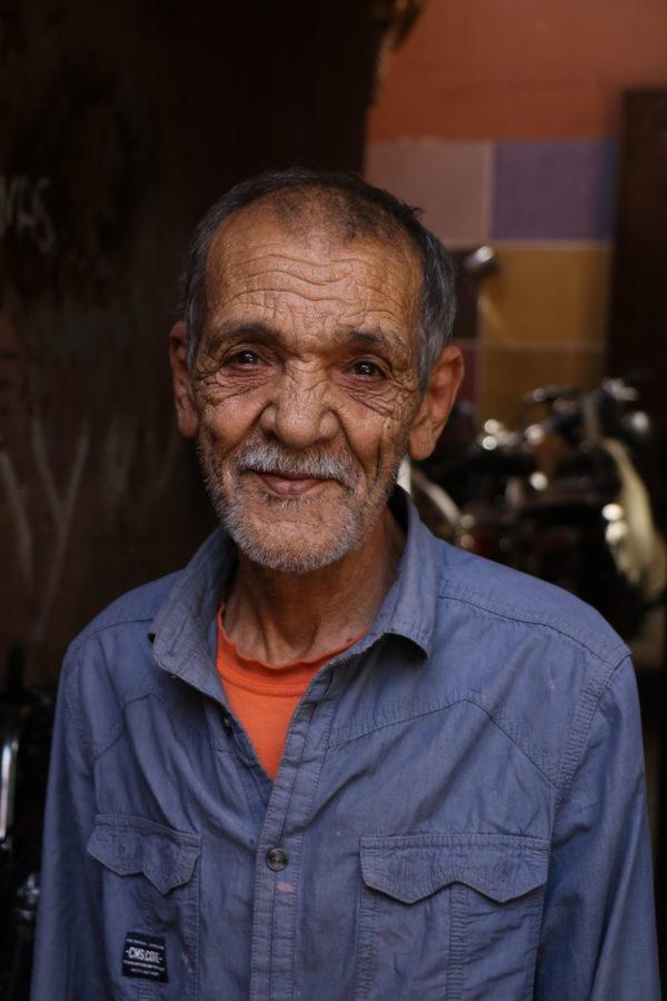 faderen i den lille marokkanske workshop med vintage fade