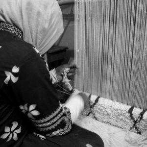 Vævning af Beni Ouarain tæppe