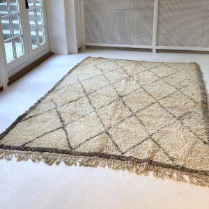Beni Ourain vintage gulvtæppe 240 x 170 cm fåreuld