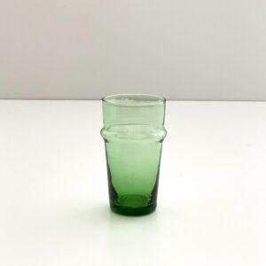 mundblæst glas i genbrugs glas grønt