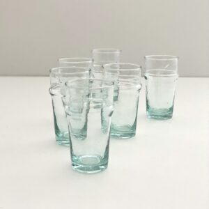 store mundblæste glas i genbrugsglas
