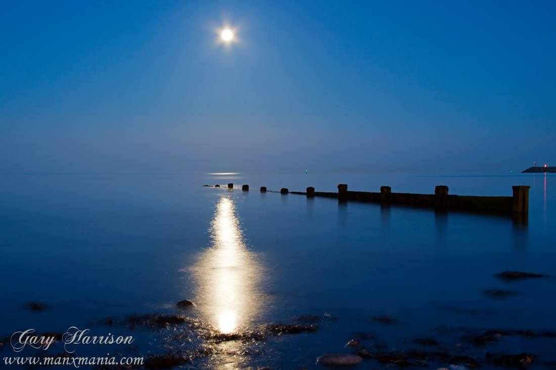 Douglas-Beach-at-Night