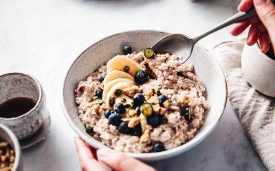 Esto es lo que le ocurre a tu organismo si desayunas leche con cereales todos los días, desde El Español