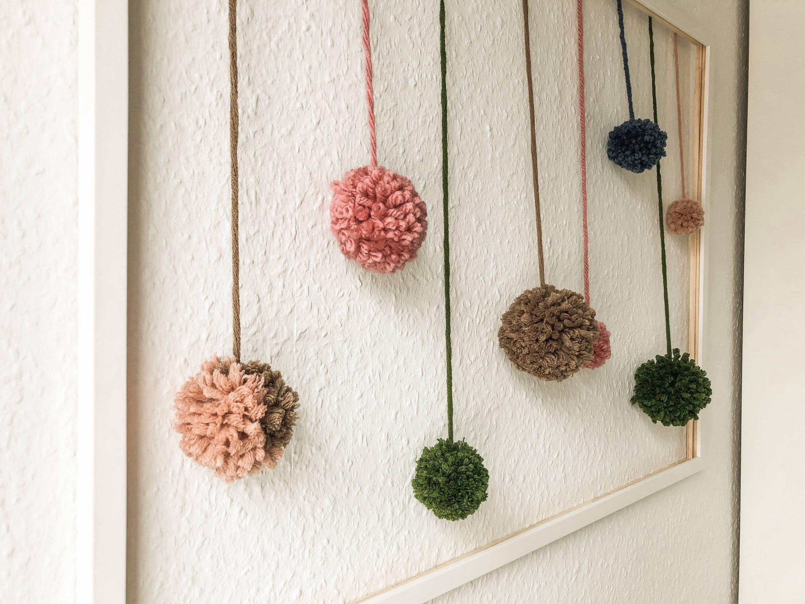 Bommelbild selber machen mit DIY Bommeln