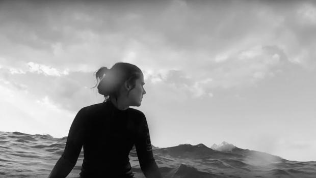 Aktuelle Musik, Fotos und Konzerte der Singer-Songwriterin Marie Rauschen: Musikvideo von Maries Song Identitäten