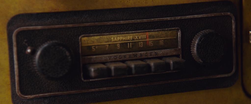 Transformers Product Placement - Marketing Psycho Sapphire XVIII radio