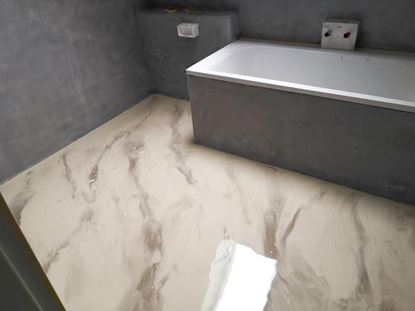 Sanierung Badezimmer - Von Fliesen zu fugenlos