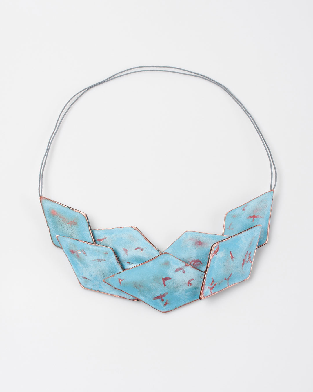 Nicole Beck, My Blue Sky, 2018, necklace; copper, enamel, silver, 200 x 65 x 25 mm, €1650