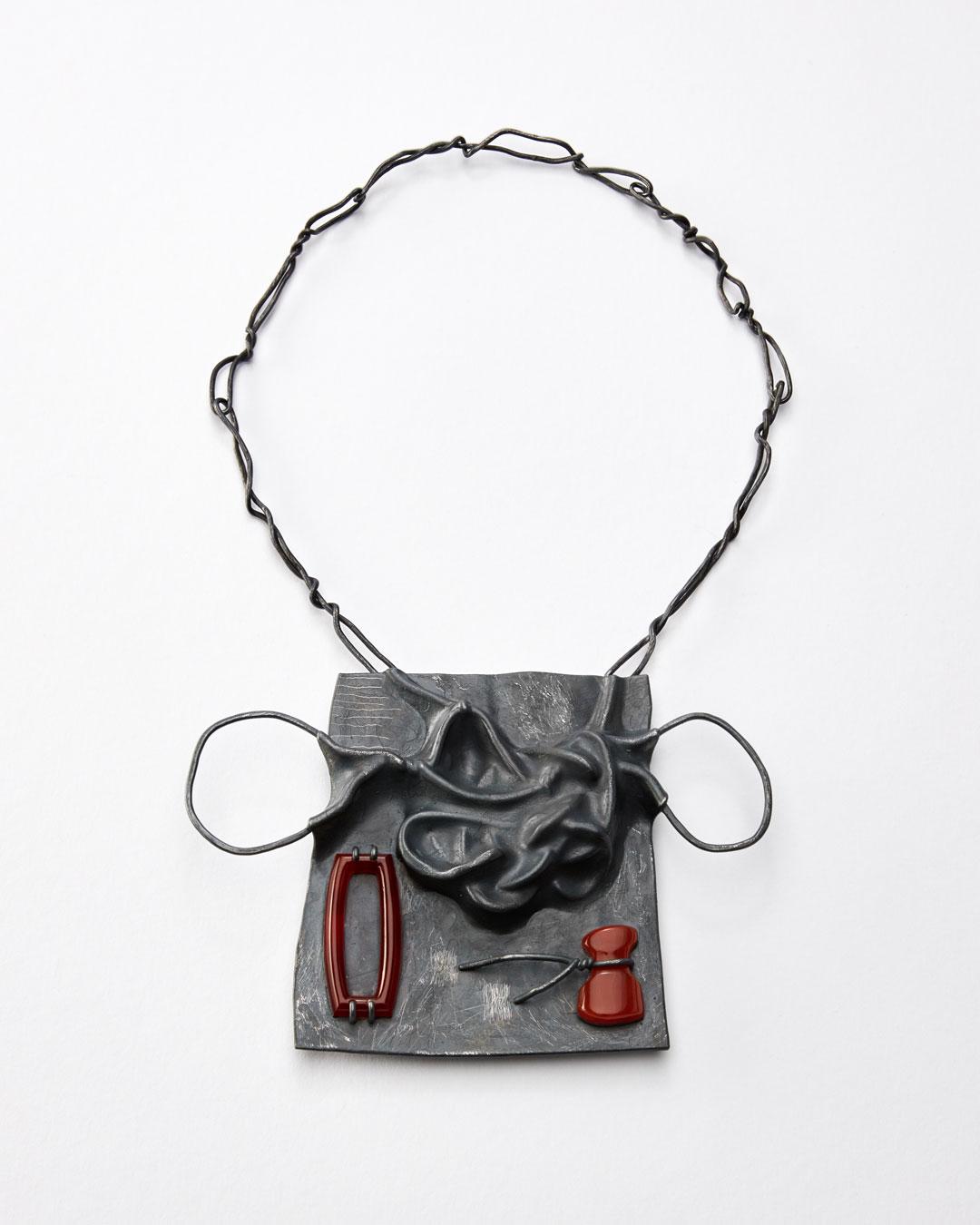 Iris Bodemer, Klang 5 (Sound 5), 2019, pendant; silver, thermoplastic, carnelian, 100 x 140 x 15 mm, €4000