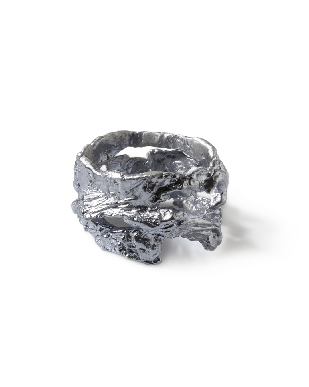 Juliane Brandes, untitled, 2013, bracelet; aluminium-manganese, 85 x 50 mm, €1100