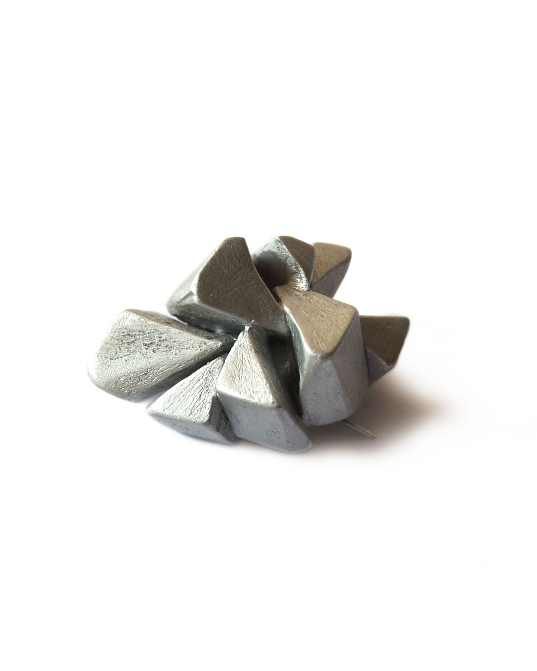 Antje Bräuer, Kleine Riesen (Small Journeys), 2008, brooch; aluminium, steel, 38 x 26 x 27 mm, €195