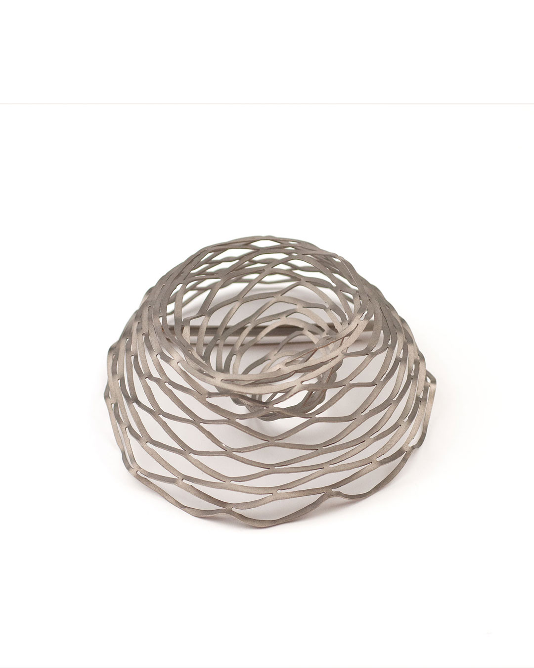 Antje Bräuer, untitled, 2010, brooch; titanium, gold, stainless steel, 116 x 109 x 52 mm, €780
