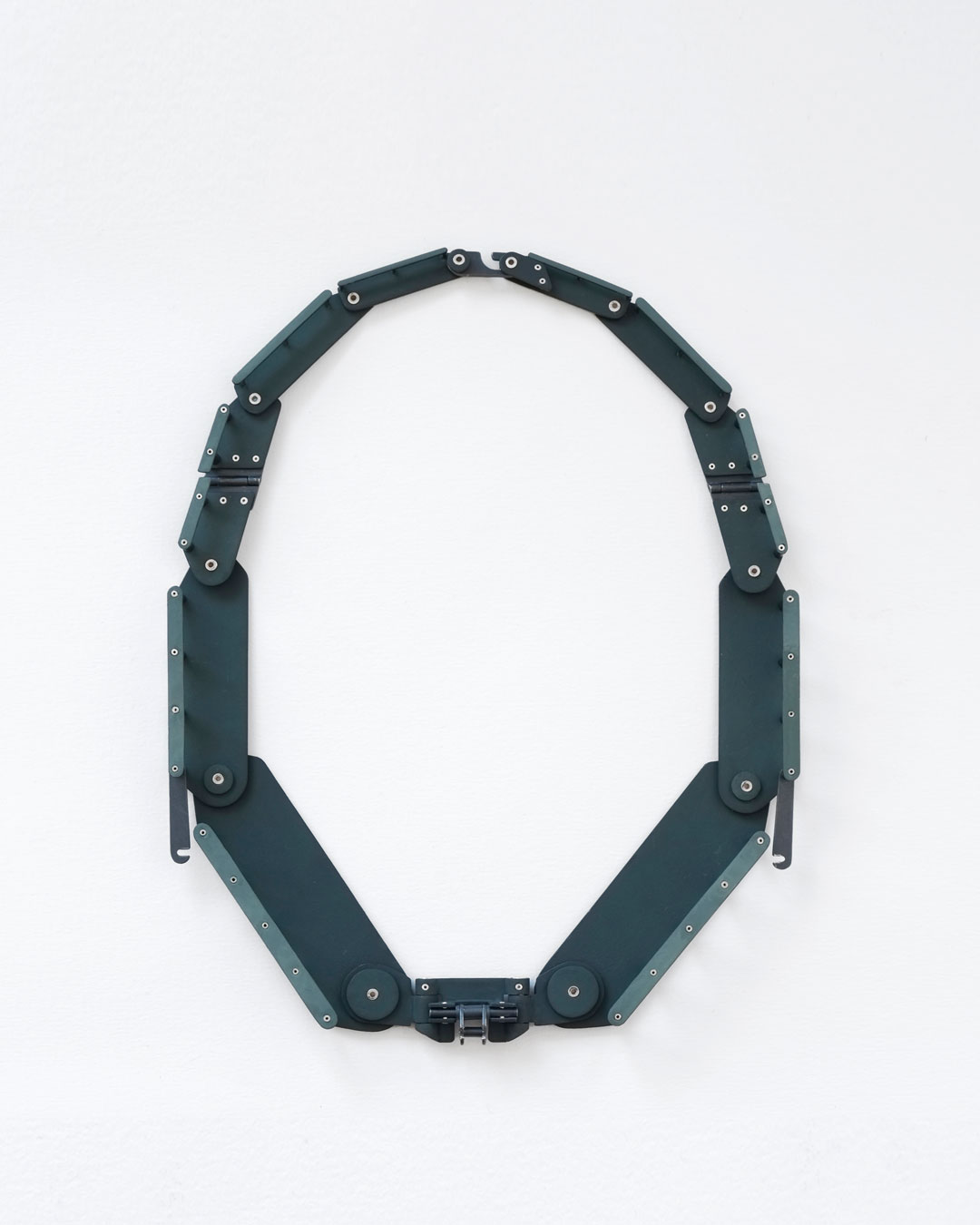 Katie Collins, And in the Dark She Hid, 2019, necklace; steel, enamel, silver, 165 x 220 x 15 mm, €4300
