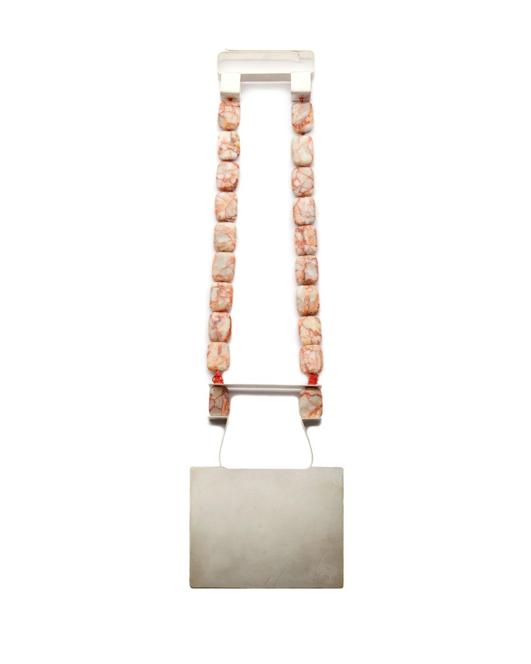 Ute Eitzenhöfer, untitled, 2014, necklace; silver, jasper, 350 x 100 x 10 mm, €2250