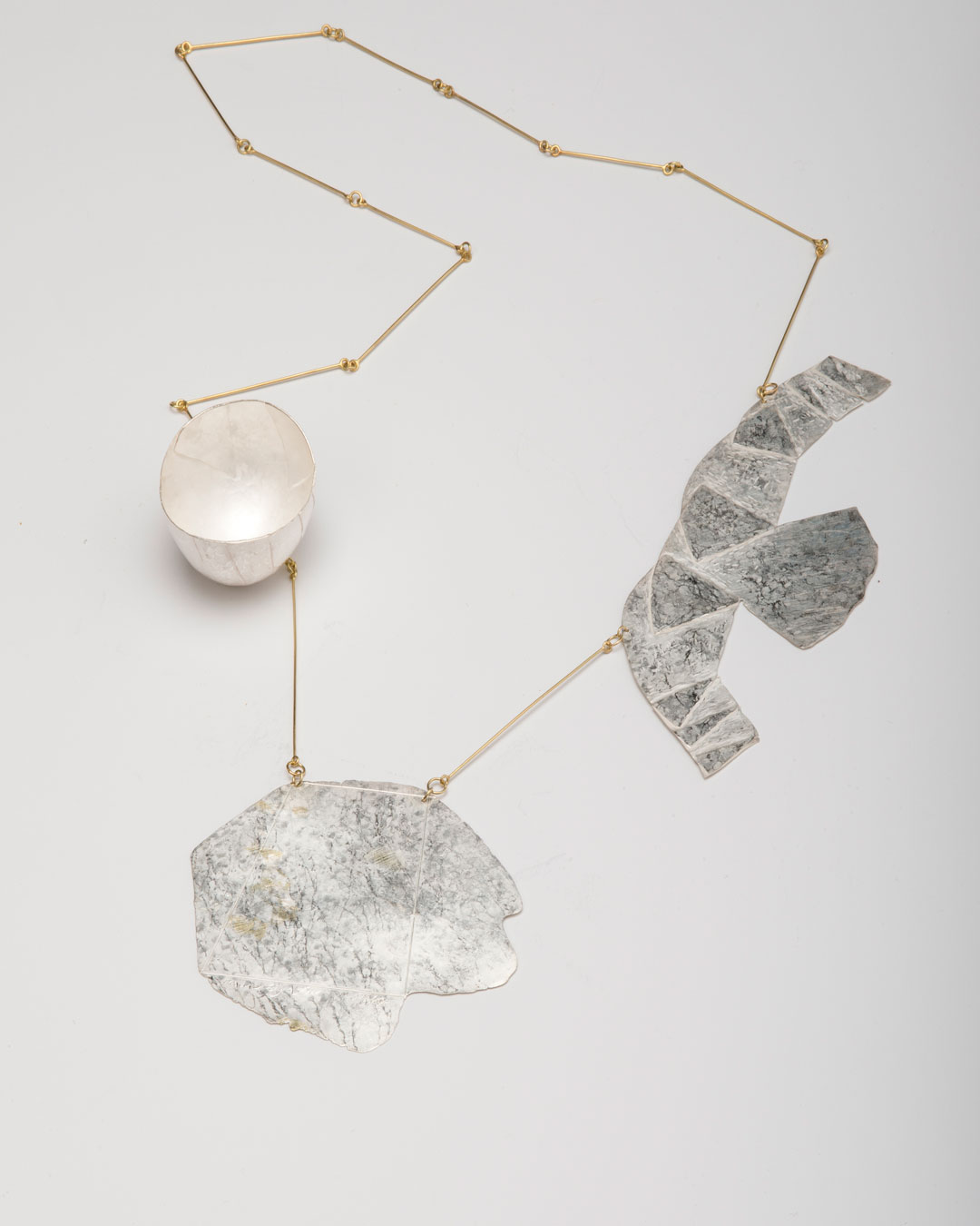 Noam Elyashiv, Story, 2019, necklace; recycled silver, 18ct gold, 250 x 350 mm, €5820