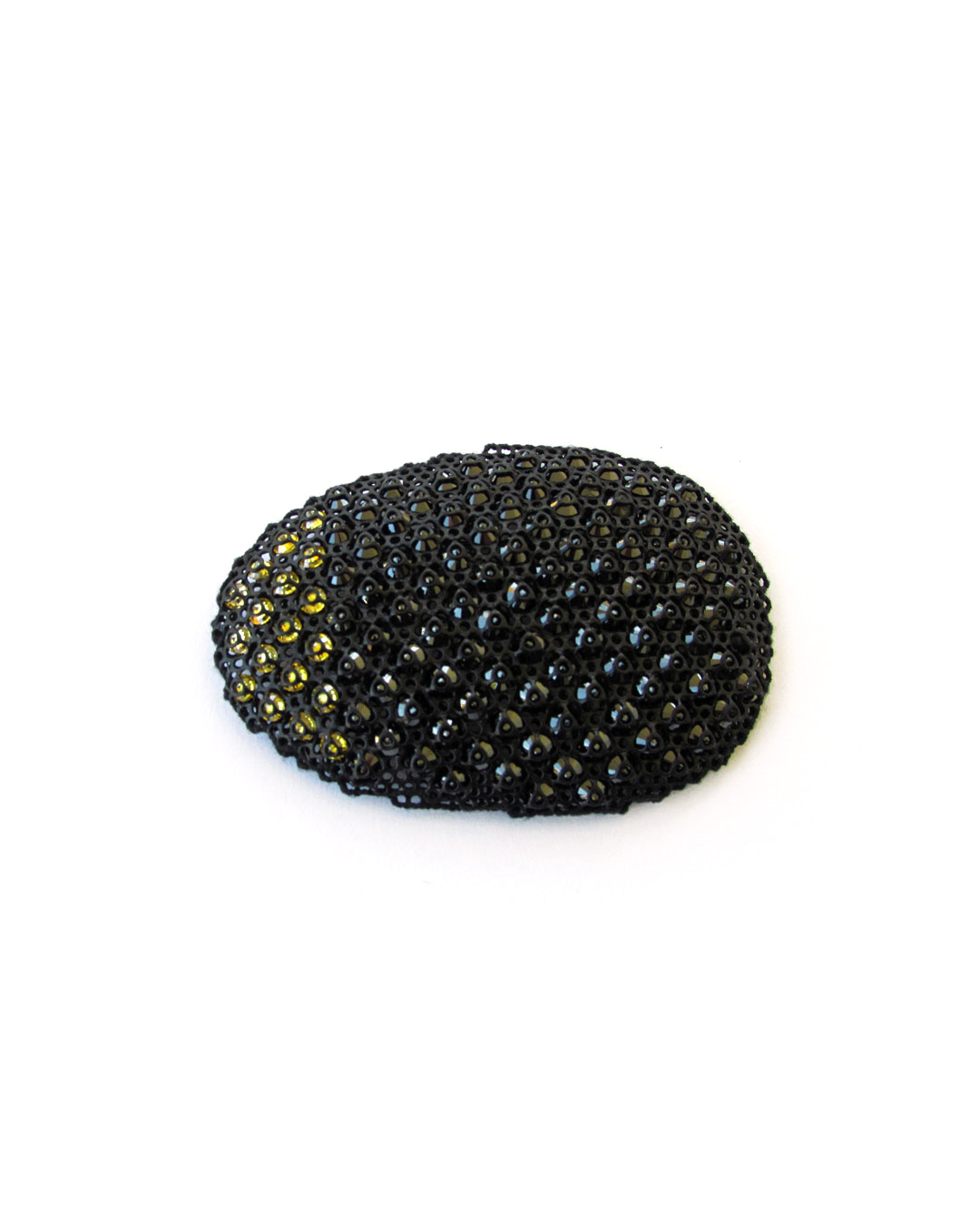 Dana Hakim, untitled, 2016, brooch; iron net, zircon, thread, paint, 85 x 55 x 15 mm, €2300