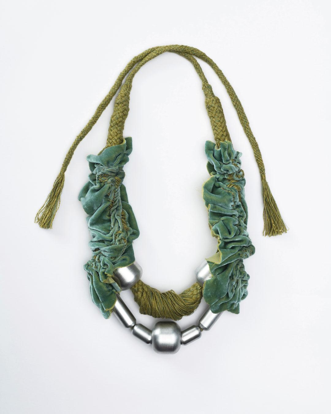 Ineke Heerkens, Lovely Lobe, 2017, necklace; linen, silk-velvet, aluminium, 360 x 190 x 50 mm, €2900