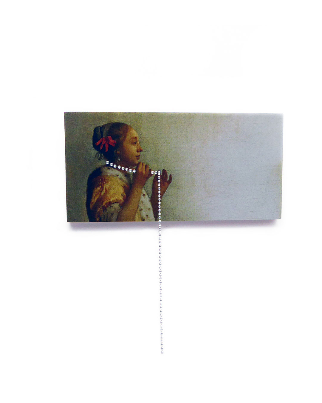 Herman Hermsen, Girl with an Amazing Long Necklace, 2018, brooch; print on aluminium, wood, silver, 87 x 80 x 13 mm, €300