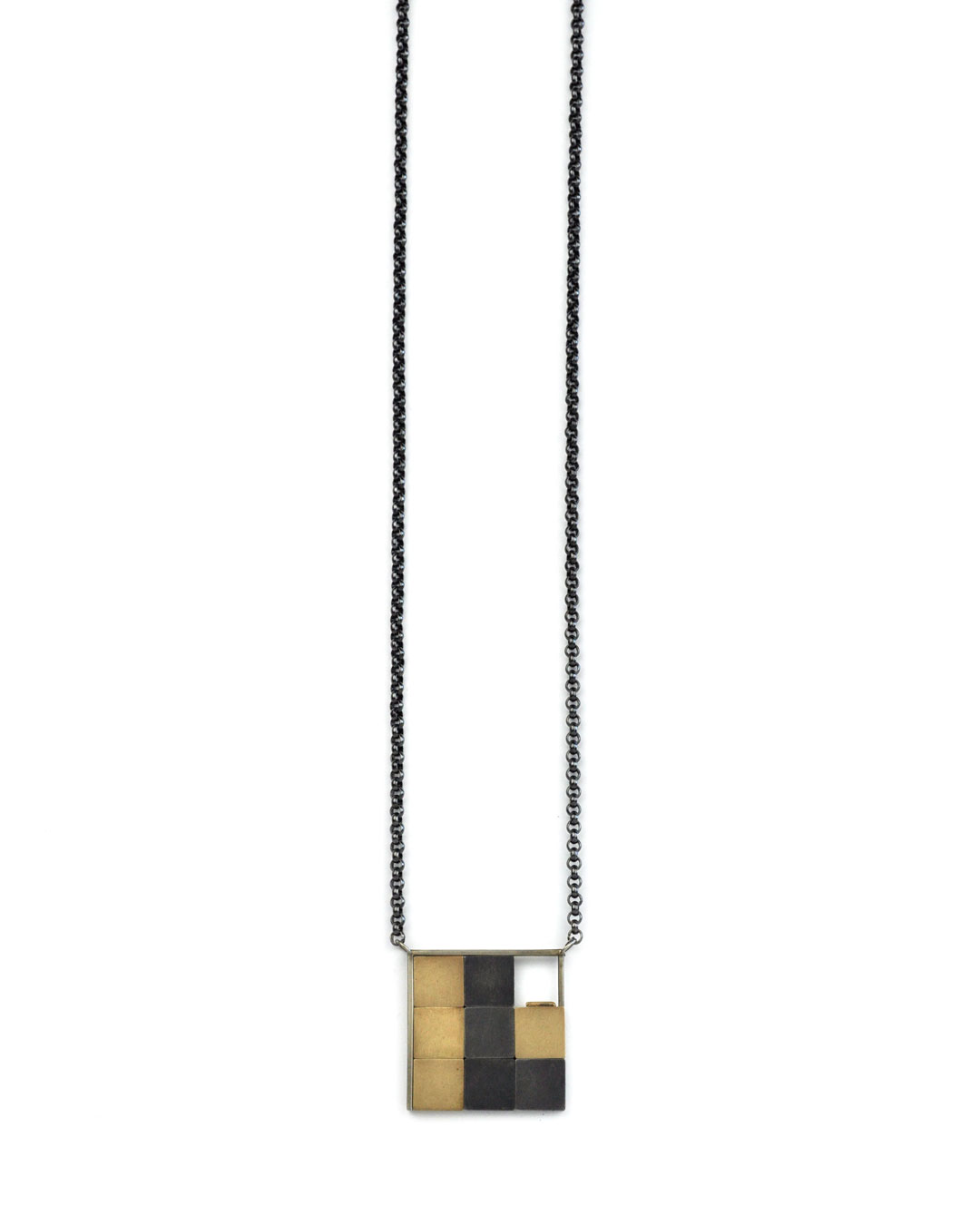 Herman Hermsen, Expensive Game, 1995, pendant; 18ct white gold, 18ct yellow gold, silver, 440 x 100 x 3 mm, €3100