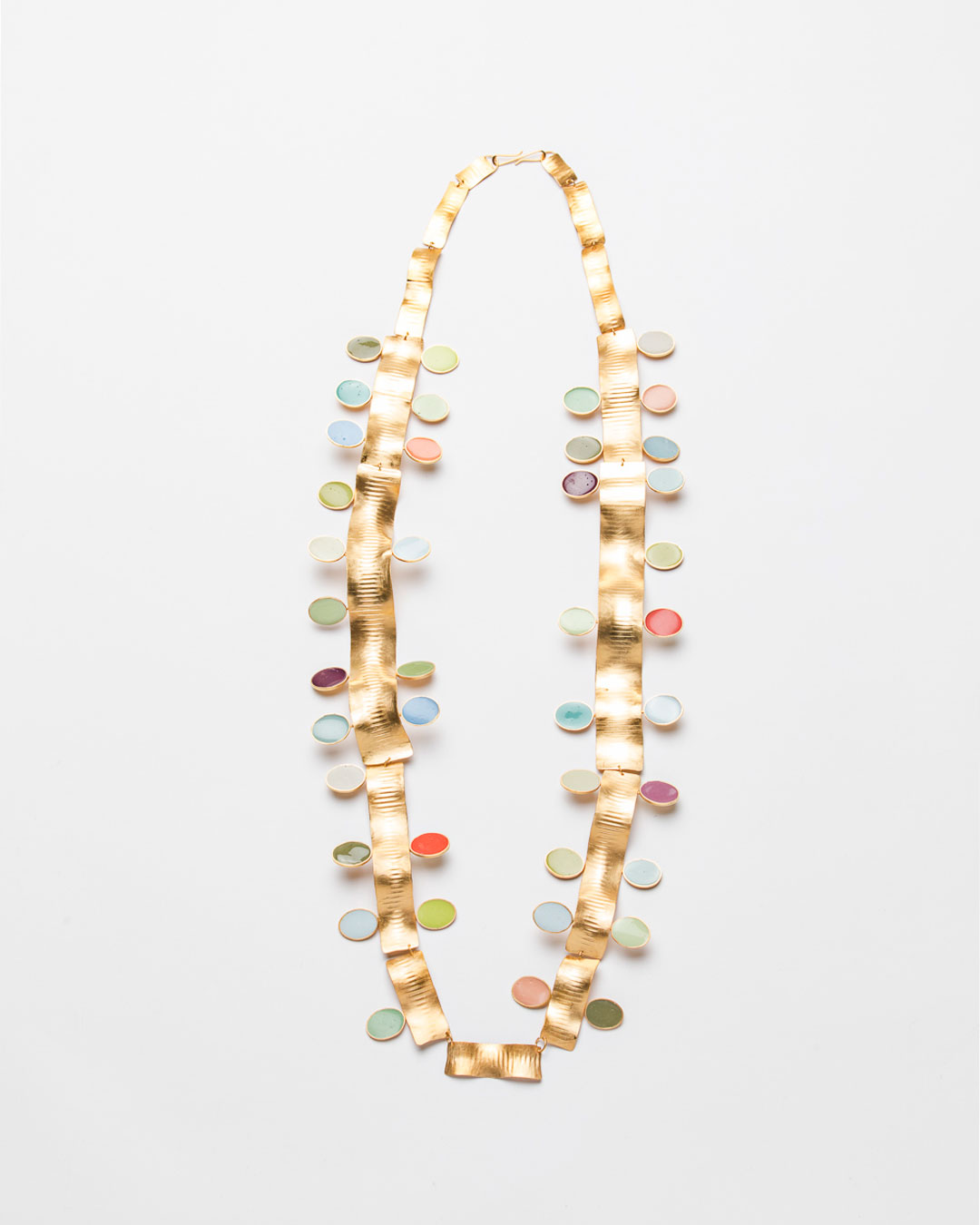 Margit Jäschke, The Golden Thread: 40 Coloured Years, 2019, necklace; gold, gold-plated silver, epoxy, 500 x 160 x 20 mm, €9700