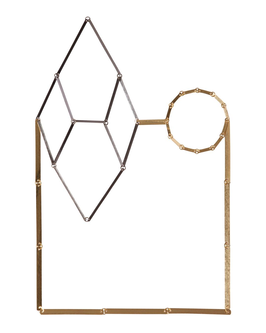 Annelies Planteijdt, Mooie Stad – Zwarte Kristal (Beautiful City – Black Crystal), 2015 (1/5), necklace; gold, tantalum, 180 x 270 mm, €8150 (image 1/2)