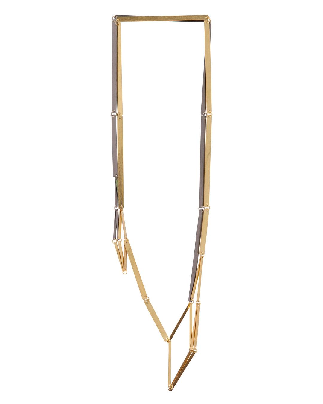 Annelies Planteijdt, Mooie stad – Collier en glaasjes (Beautiful City - Necklace and Glasses), 2017, necklace; gold, tantalum, pigment, 180 x 360 mm, €8875 (image 2/3)