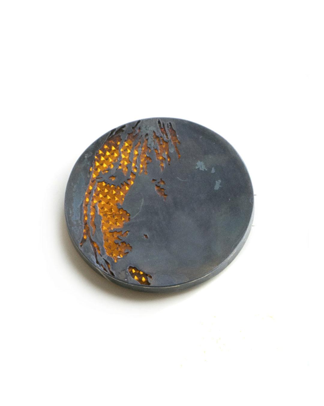 Vera Siemund, untitled, 2009, brooch; iron, plastic, silver, ø 55-60 mm, €470