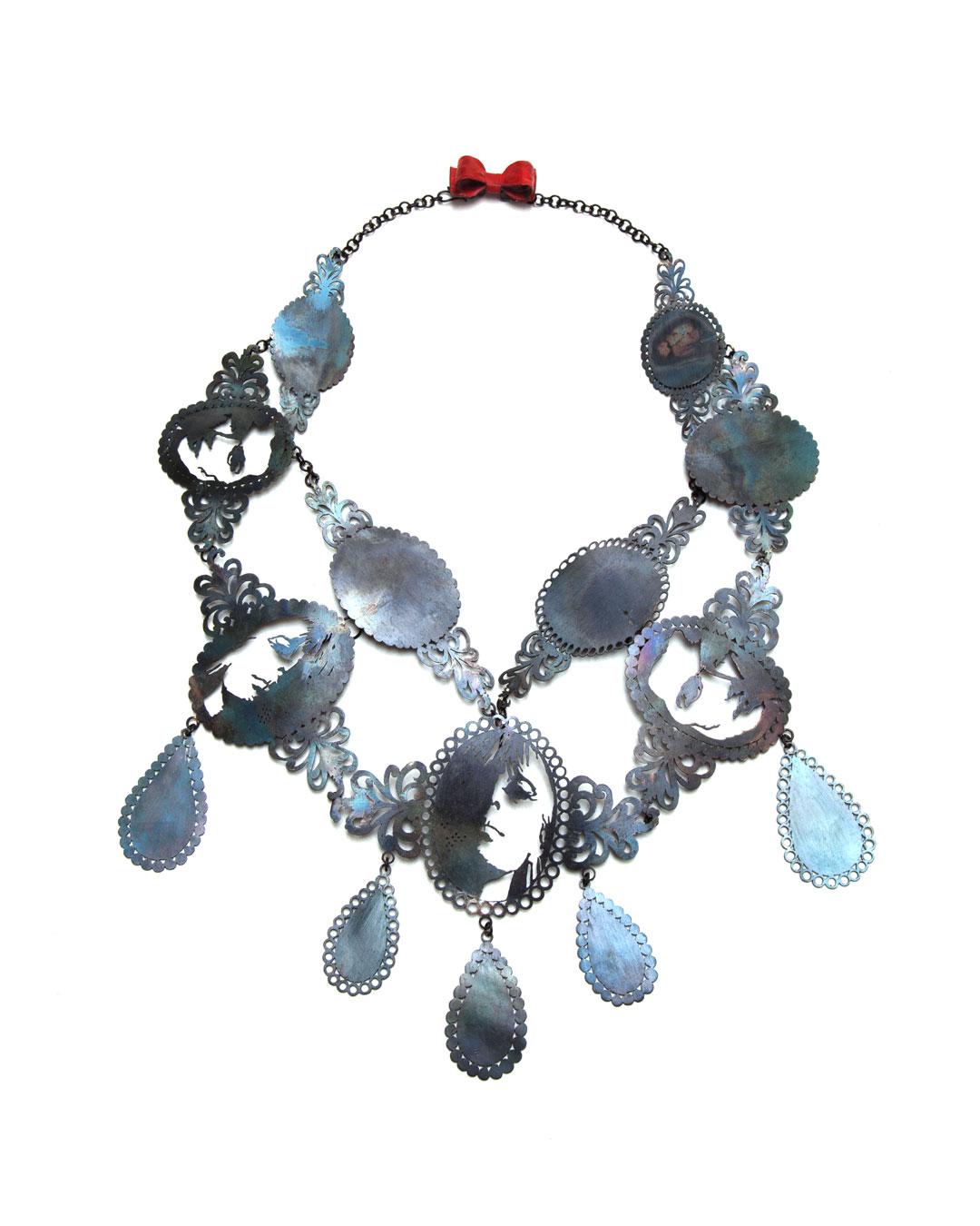 Vera Siemund, untitled, 2012, necklace; steel, enamel, copper, 320 x 240 x 10 mm, €3200