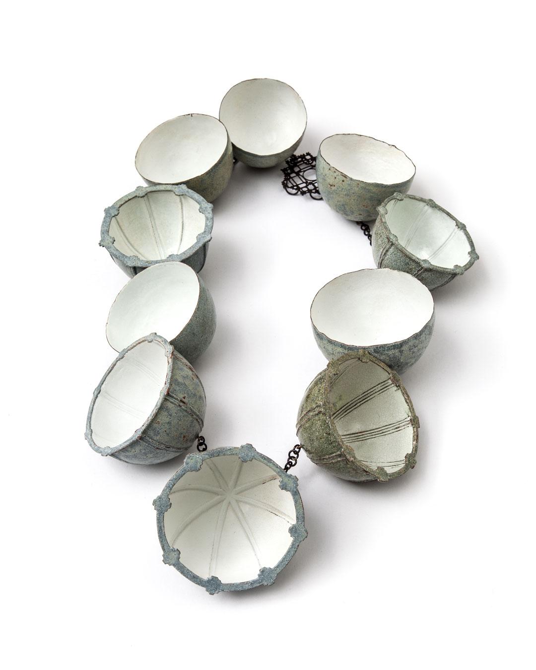 Vera Siemund, untitled, 2014, necklace; enamelled copper, steel, 200 x 270 x 40 mm, €5100